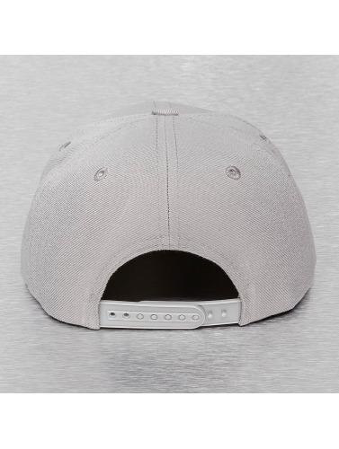 Cap Crony Snapback Cap Acrylic Vinyl in grau