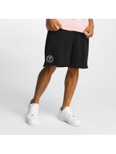 CHABOS IIVII Herren Shorts Cut Off in schwarz