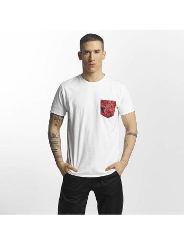 Criminal Damage Hombres Camiseta Vale Pocket in blanco