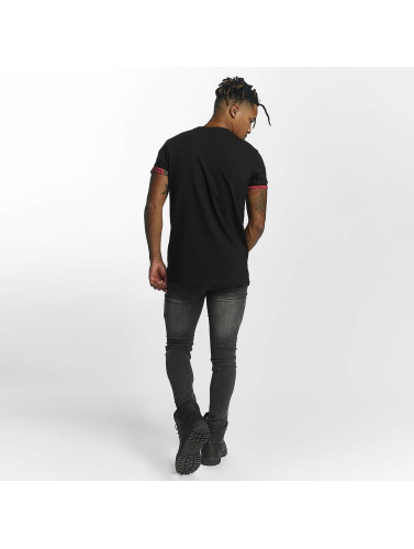 Criminal Damage Herren T-Shirt Vale Pocket in schwarz