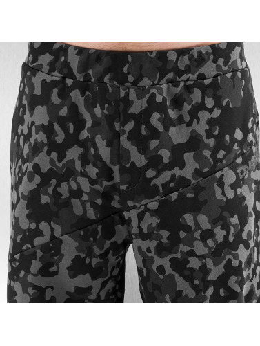 Dangerous DNGRS Herren Jogginghose Basic in schwarz