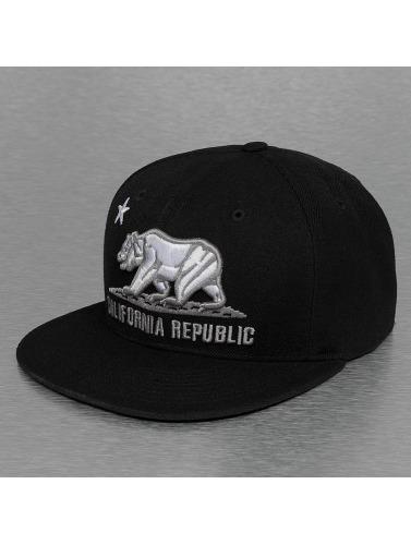 Decky USA Fitted Cap California in schwarz