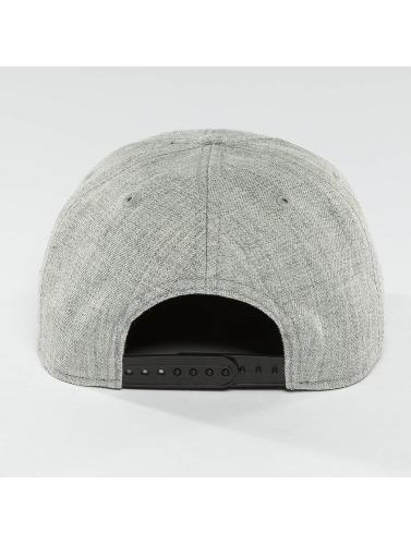 DEF Snapback Cap Basic in grau