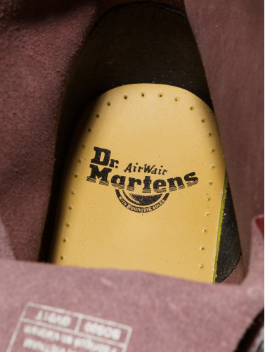 Dr. Martens Boots 1460 DMC 8-Eye Smooth Leather in rojo