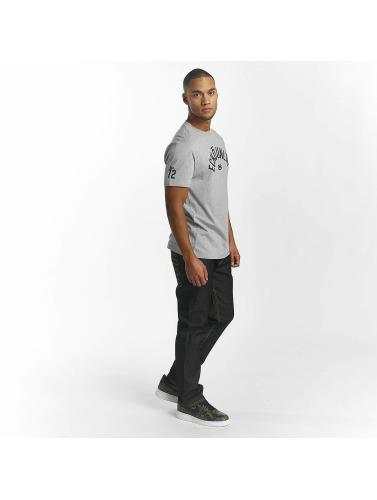 Ecko Unltd. Hombres Camiseta Base in gris