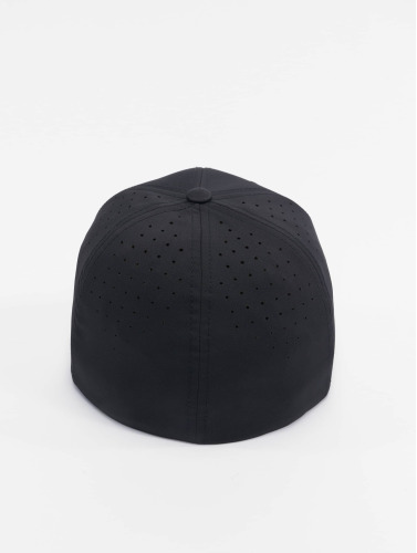 Flexfit <small>    Flexfit   </small>   <br />   ted Cap Perforated in schwarz