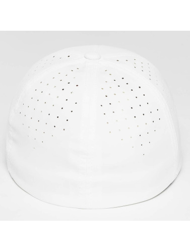 Flexfit <small>    Flexfit   </small>   <br />   ted Cap Perforated in weiß