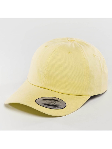 Flexfit Snapback Cap Peached Cotton Twill in gelb