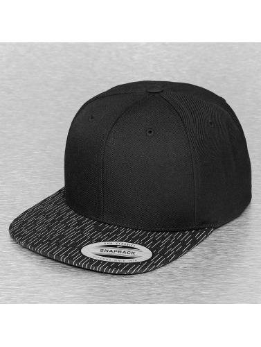 Flexfit Snapback Cap Fallen Lines in schwarz