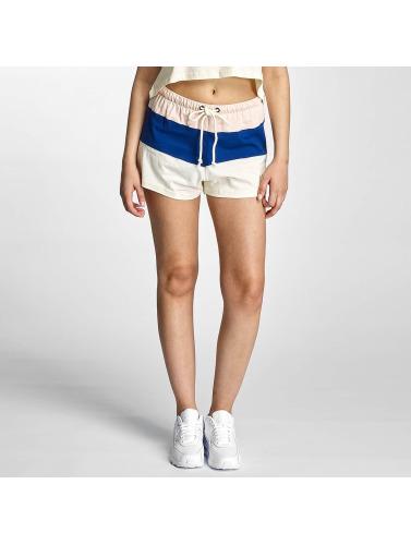Grimey Wear Damen Shorts Wear Walk On By in wei