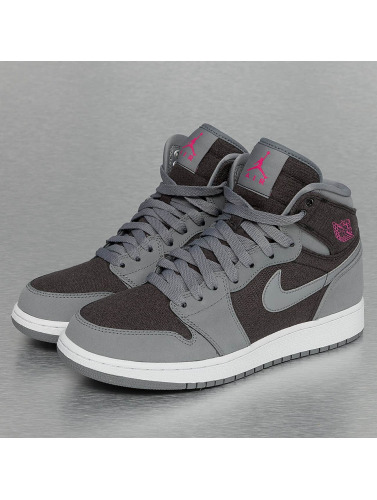 Jordan Sneaker 1 Retro (GS) in grau