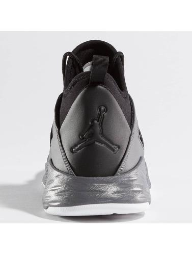 Jordan Herren Sneaker Formula 23 in schwarz