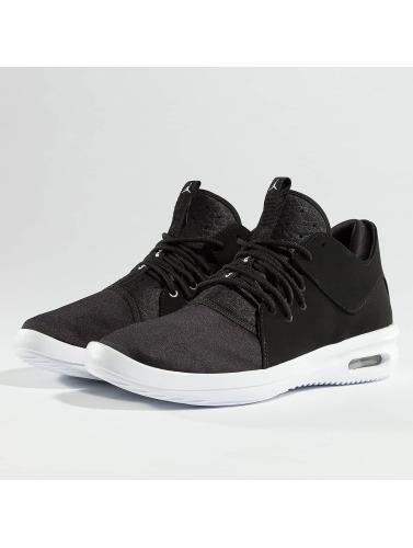 Jordan Herren Sneaker Air First Class in schwarz