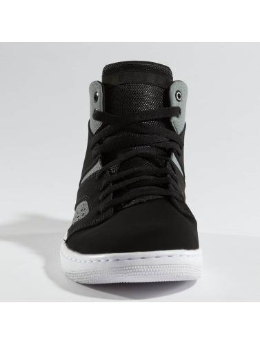 Jordan Herren Sneaker Legend in schwarz