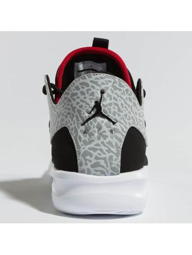 Jordan Herren Sneaker First Class in schwarz