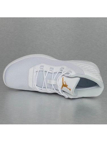 Jordan Hombres Zapatillas de deporte Academy in blanco