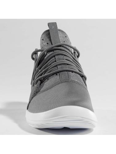 Jordan Hombres Zapatillas de deporte Air First Class in gris