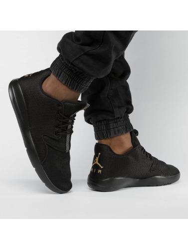 Jordan Hombres Zapatillas de deporte Eclipse in negro