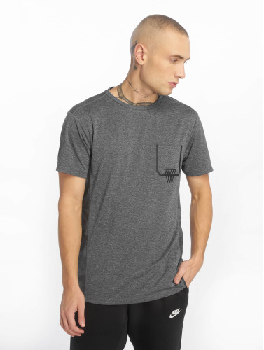 K1X Core Hombres Camiseta Basket Pocket in gris