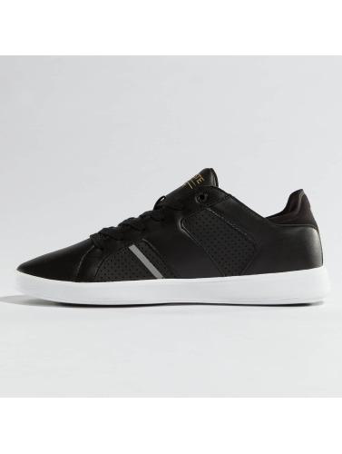 Lacoste Herren Sneaker Novas CT in schwarz