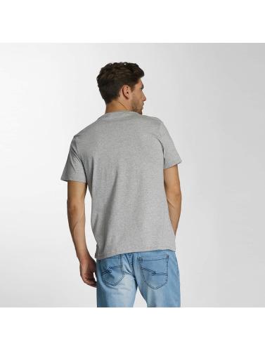 Levis® Hombres Camiseta Sportswear Logo Graphic in gris