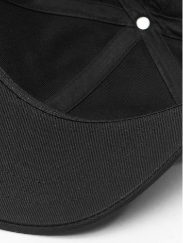 Levi's® Snapback Cap One in schwarz