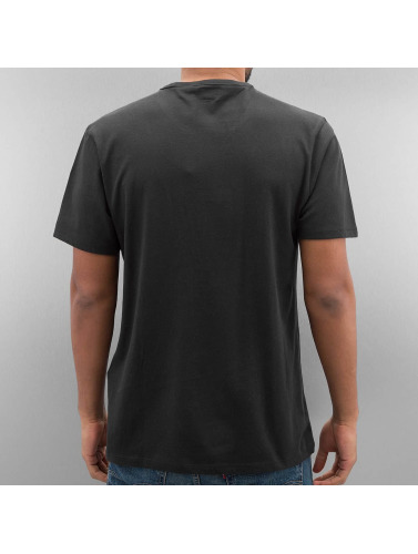 Levi's® Herren T-Shirt Sunset Pocket in schwarz