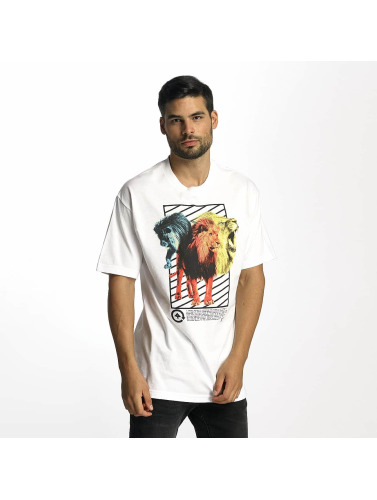 LRG Herren T-Shirt Three's A Lion in weiß