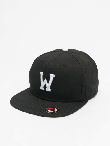 MSTRDS Snapback Cap W Letter in schwarz