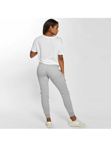 New Balance Damen Jogginghose Essentials in grau