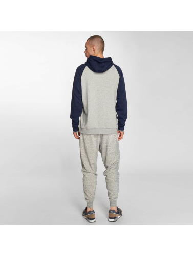 New Balance Hombres Sudadera MT81531 in gris