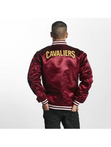 New Era Herren Bomberjacke Cleveland Cavaliers in rot