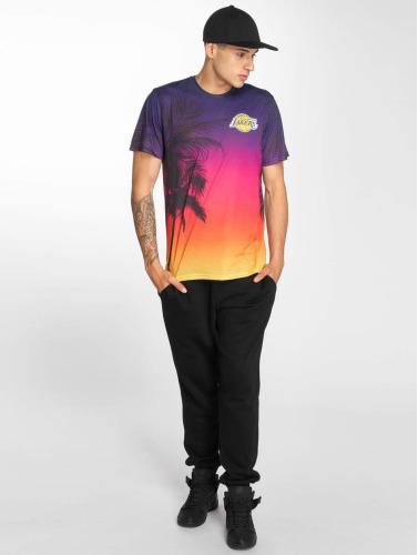 New Era Hombres Camiseta NBA Coastal in colorido
