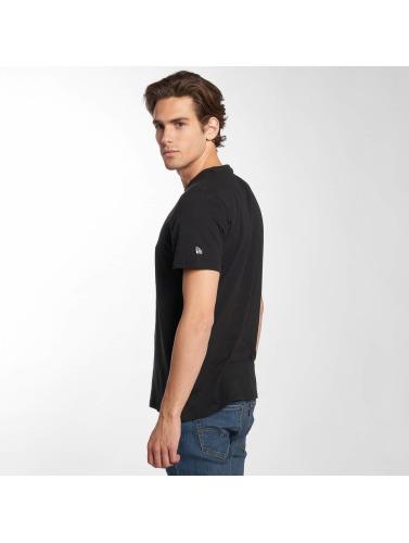 New Era Hombres Camiseta NFL Generic Logo Lightweight in negro