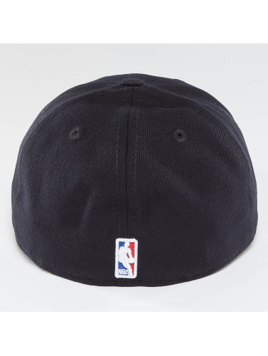 New Era Fitted Cap Team Classic Cleveland Cavaliers in blau