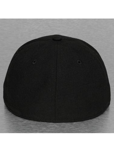 New Era Fitted Cap Glow In The Dark Oakland Raiders in schwarz