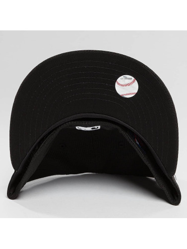 New Era Fitted Cap Diamond Essential NY Yankees in schwarz