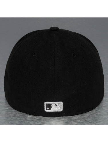 New Era Fitted Cap UK Authentics Performance Chicago White Sox 59Fifty in schwarz