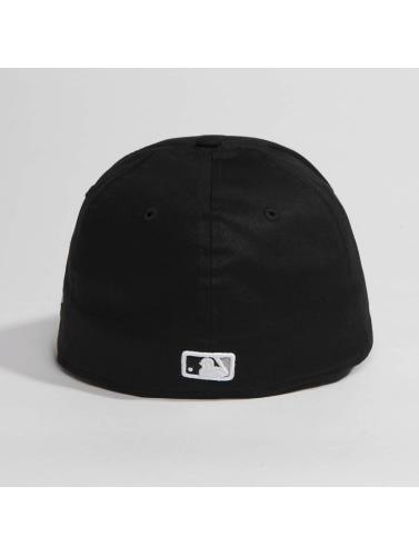 New Era Flexfitted Cap Washed Team Colour Chicago White Sox in schwarz