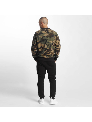 New Era Hombres Jersey Essential Raglan in camuflaje