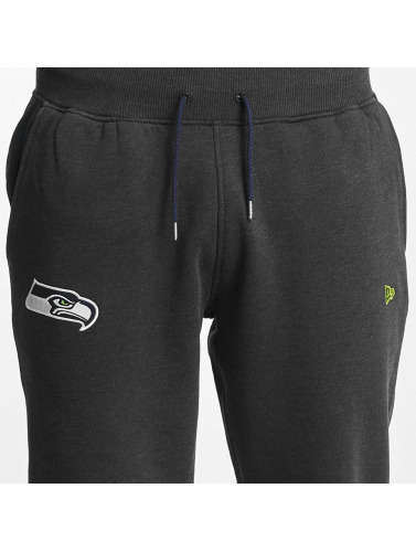 New Era Herren Jogginghose Seattle Seahawks Fleece in grau