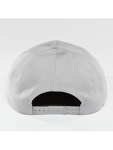 New Era Snapback Cap Seasonal Essential Aframe in grau