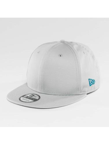 New Era Snapback Cap Flag 9Fifty in grau