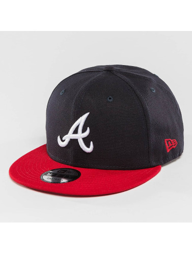 New Era Snapback Cap Atlanta Braves in schwarz