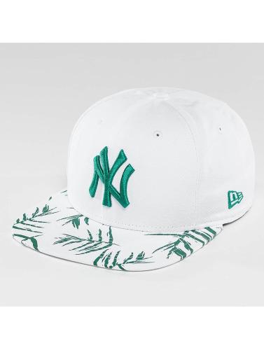 New Era Snapback Cap Sandwash Visor Print NY Yankees in weiß