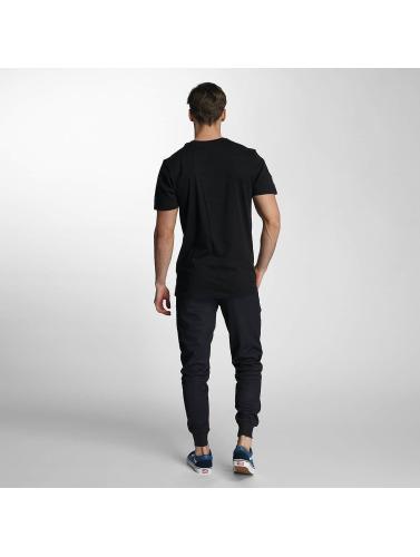 New Era Herren T-Shirt NFL Headshot Carolina Panthers in schwarz