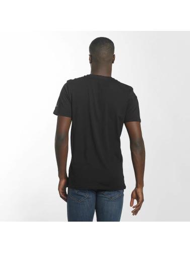 New Era Herren T-Shirt BNG Cleveland Cavaliers Graphic in schwarz