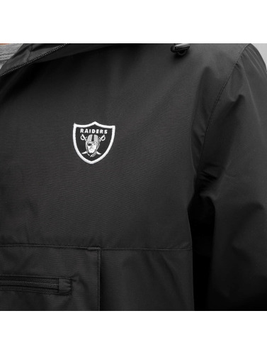 New Era Herren Übergangsjacke Border Edge in schwarz