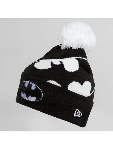 New Era Wintermütze Hero Over in schwarz