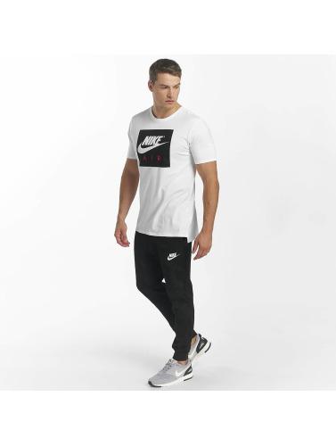 Nike Hombres Camiseta Sportswear in blanco